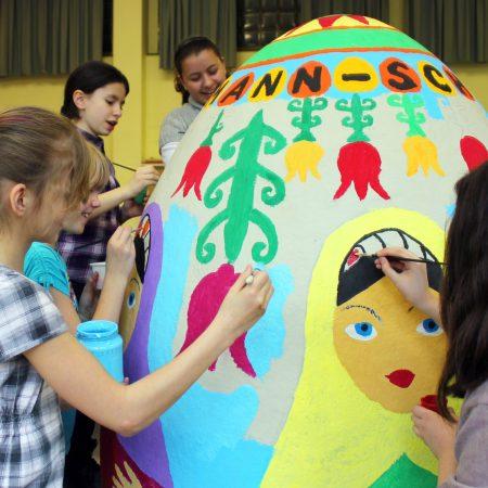 Malwettbewerb Riesen-Ei